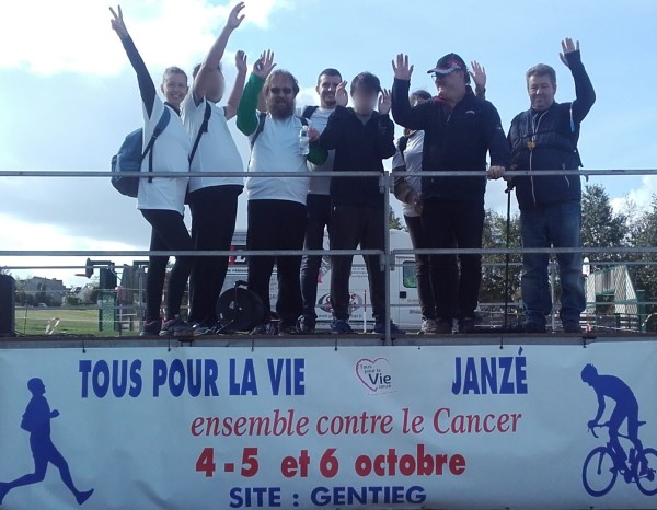 Marche_solidaire_contre_le_cancer_